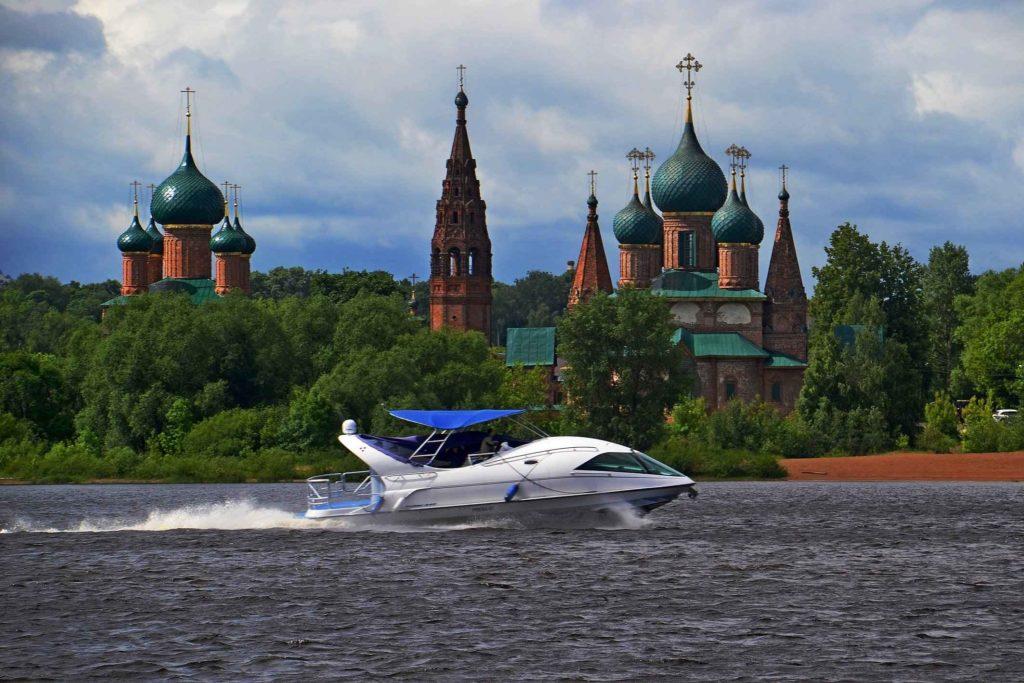 Река в Ярославле
