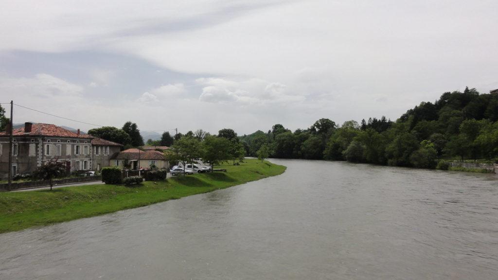 Река на Юге Франции - Округ Мюре, Верхняя Гаронна, Окситания, Франция