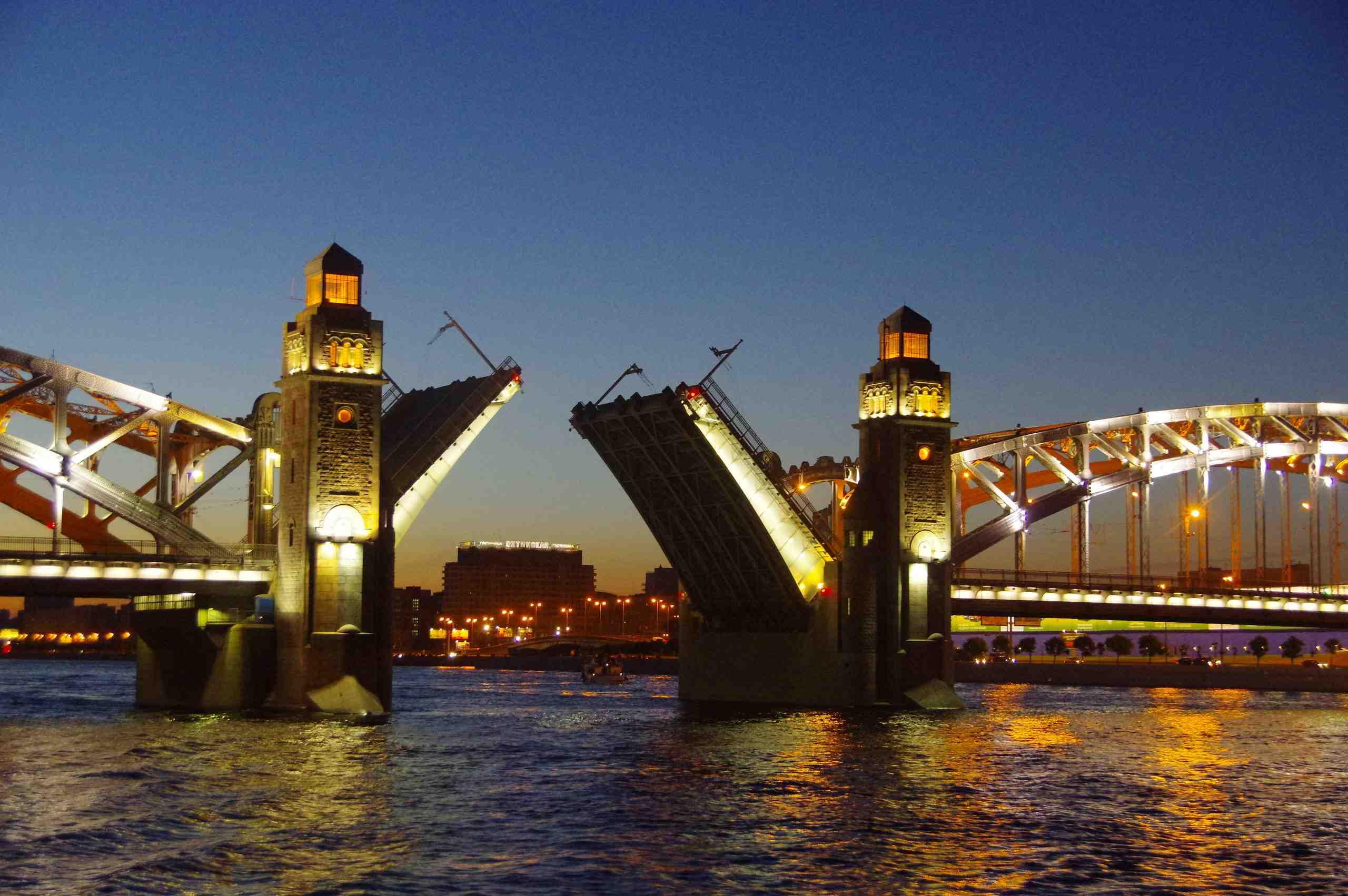 Река Нева Большеохтенский мост