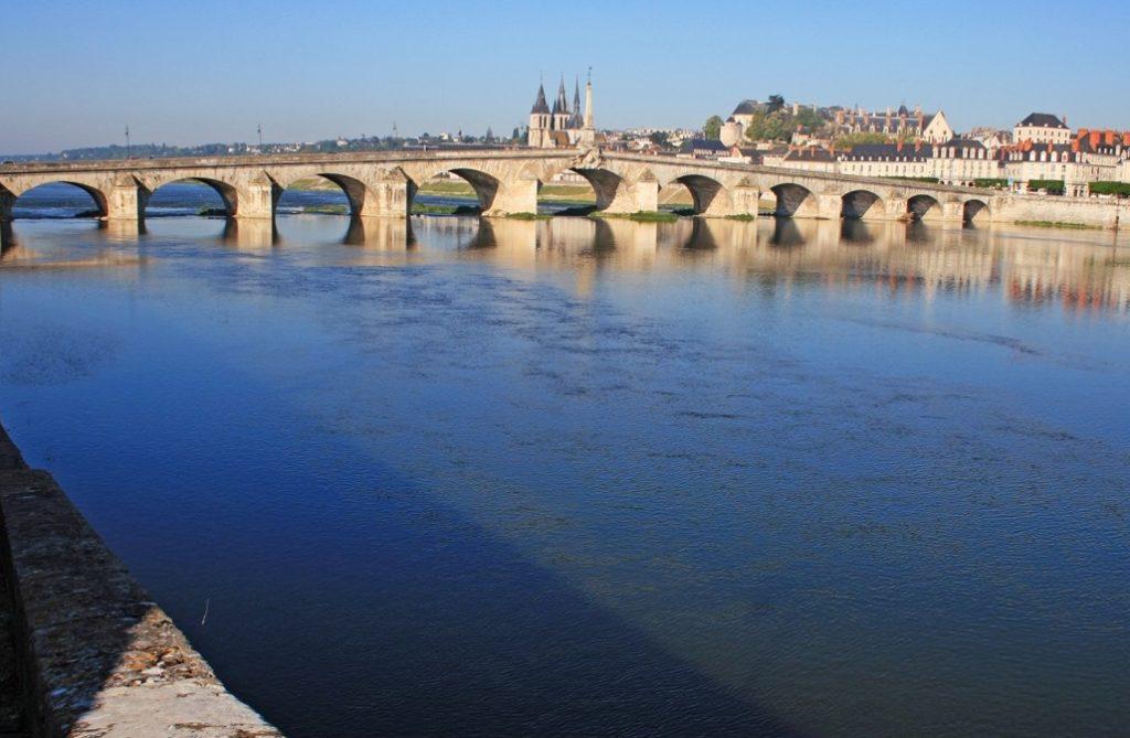 Река Лаура