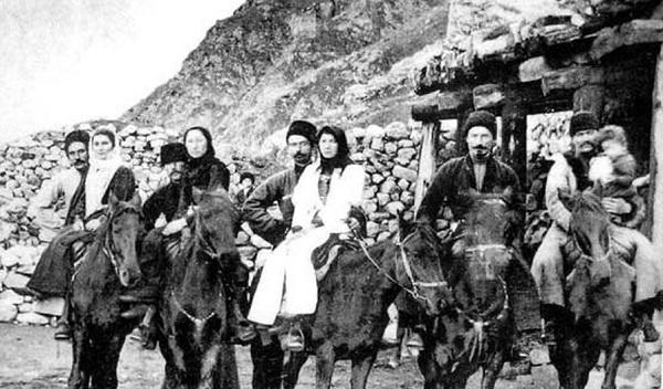 Карачаевцы и балкарцы