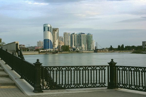 Краснодар. Набережная. Река Кубань