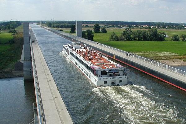 Магдебургский водный мост над Эльбой