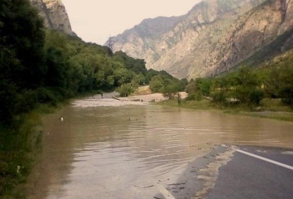 Паводок. Река баксан. Потоп