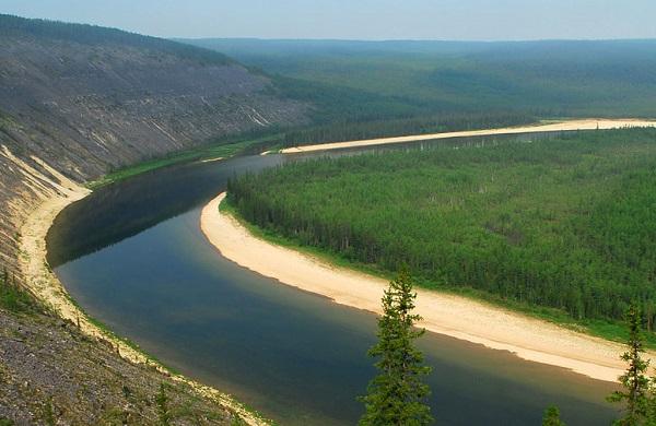 Река в Якутии Амга