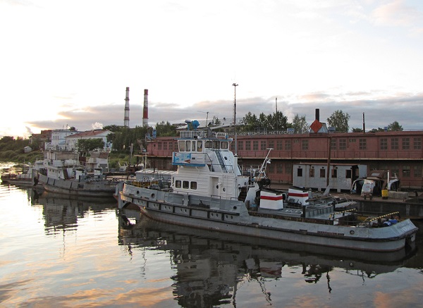 Река Сухона Вологодская область, город Сокол. Порт