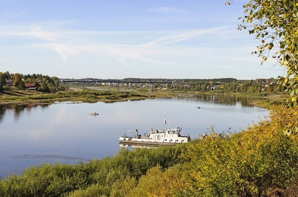 Река Сухона в районе Тотьмы, Вологодской области