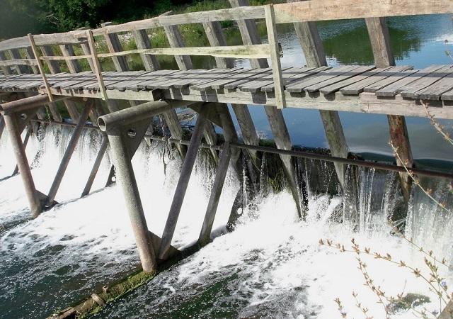 Староермаковская плотина через реку Сок
