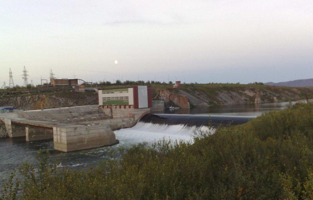 Плотина река Уса