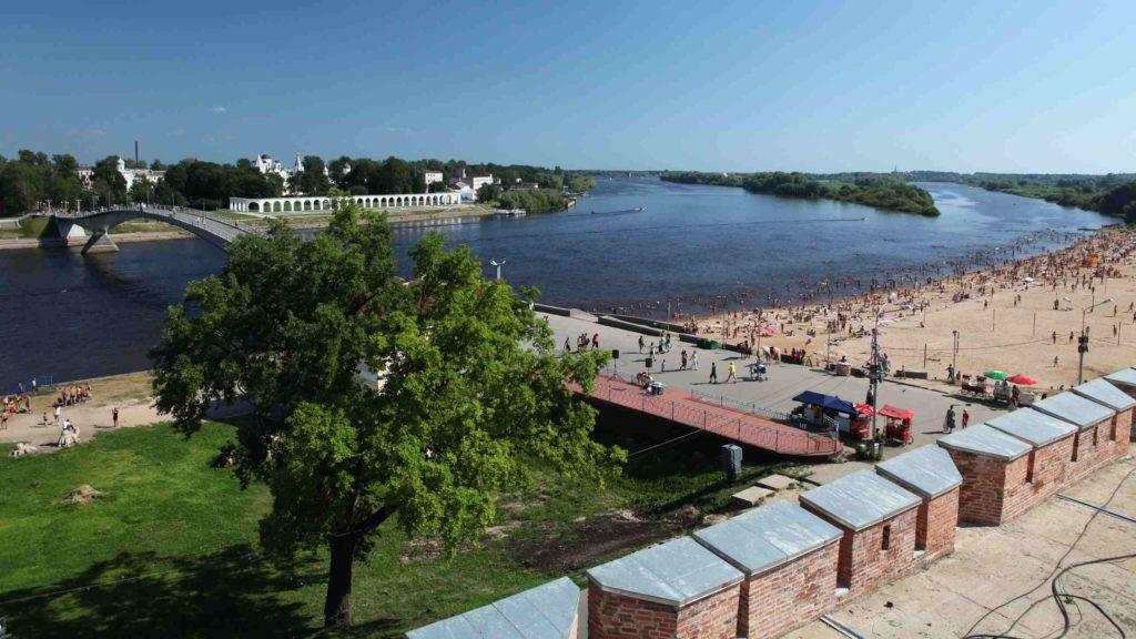 пляж на реке Волхов в Великом Новгороде